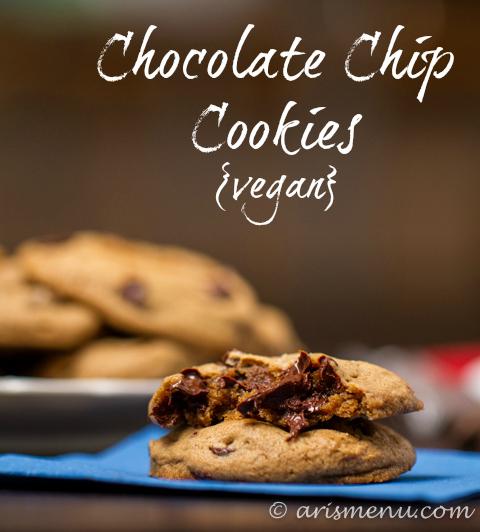Chocolate Chip Cookies #vegan via arismenu.com