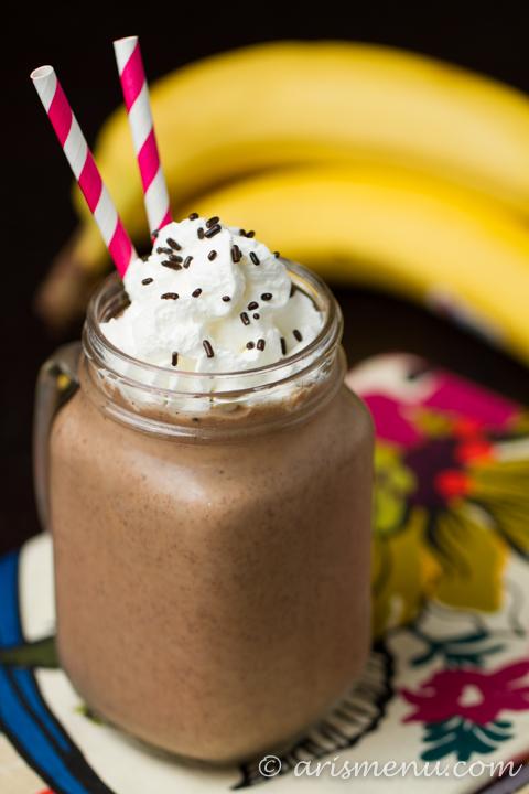 Chocolate Peanut Butter Banana Shake #vegan #glutenfree