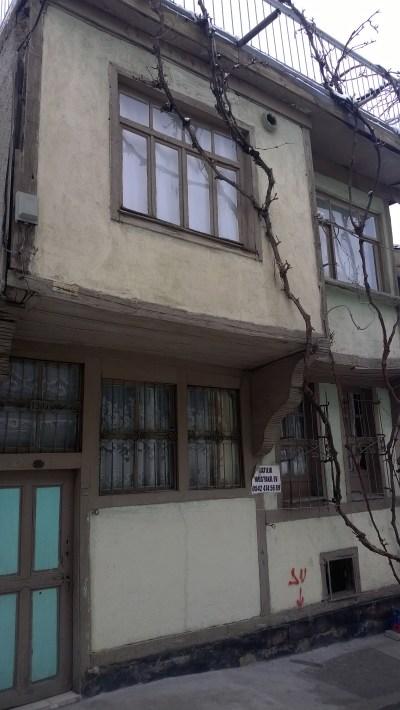 1905'ten kalan bir ermeni evi 70 bine satılık