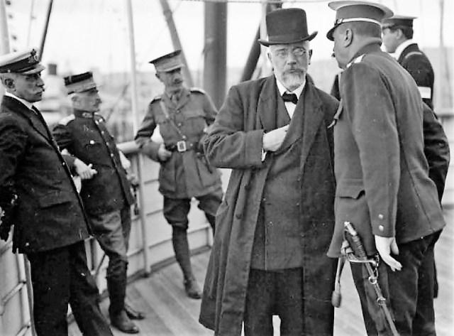 1915-1916: Η Κυβέρνηση Στέφανου Σκουλούδη υποκύπτει στην αγγλο-γαλλική δικτατορία του Ελευθερίου Βενιζέλου