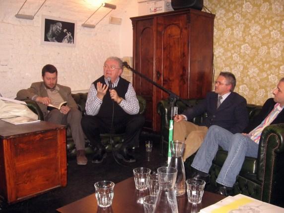 Il relatore Dott. Agostino Garda. A sinistra Gianluca Bono e a destra Marco Di Giaimo