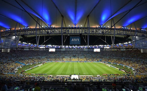 A direção do Flamengo trabalha duro para utilizar o Maracanã nos jogos da fase inicial da Libertadores (Foto: Folha de São Paulo)