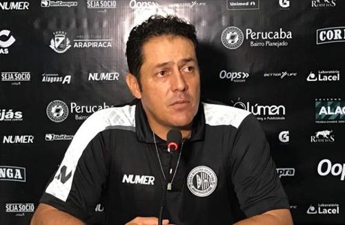O técnico Maurílio Silva acredita que o ASA fará uma grande exibição na nite de hoje (Foto: Divulgação/ASA)