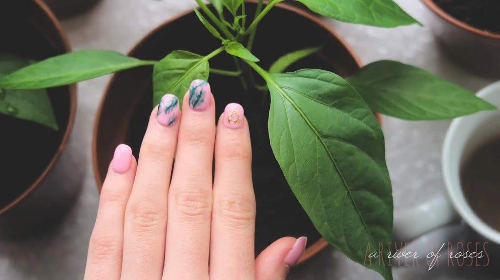 Acrylic Nail Newbie: First Impressions!