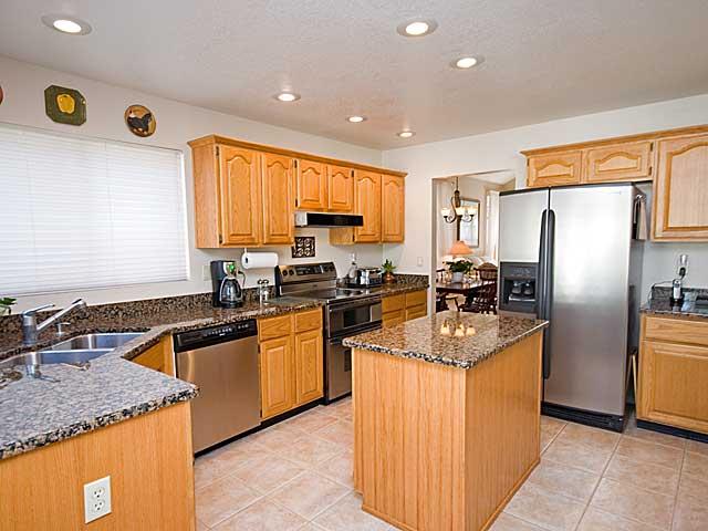 kitchen_medium.jpg