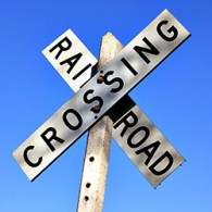 railroad crossing sign - public domain image free for any use - 250x250