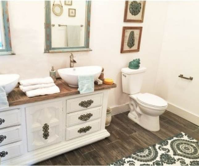 parquet in bagno; posa parquet; trattamento parquet; idrorepellente