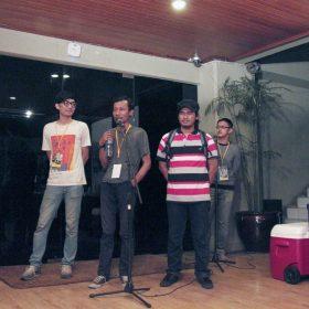 Para pendukung utama pameran, asisten kurator dan tim kerja
