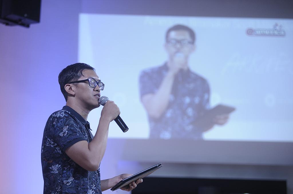 Yuki Aditya, Direktur ARKIPEL, memberikan sambutan. / Yuki Aditya, Director of ARKIPEL, gave opening speech.