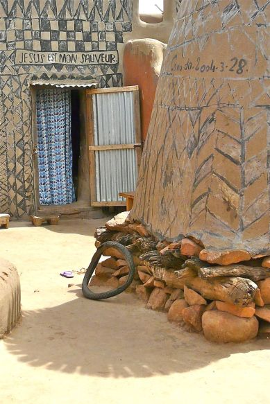1000x1500xafricanvillage41.jpg.pagespeed.ic.nQx7BoouIs