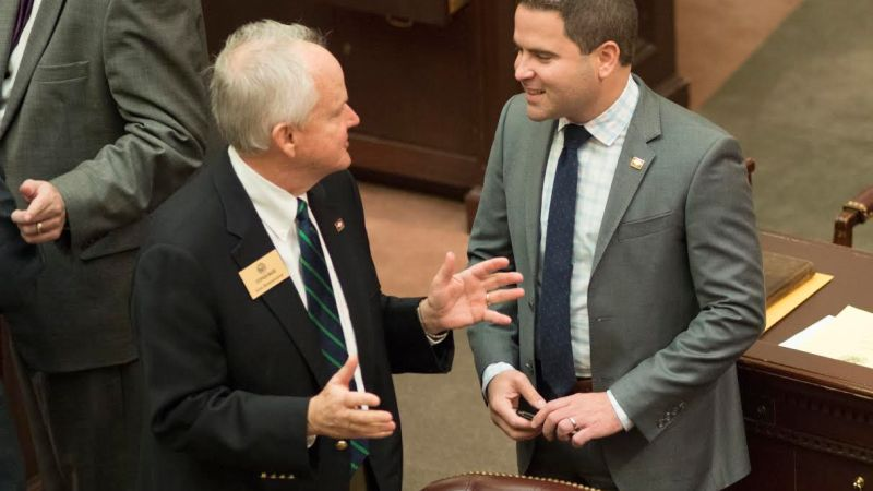 Alternative bill to help low-income workers filed