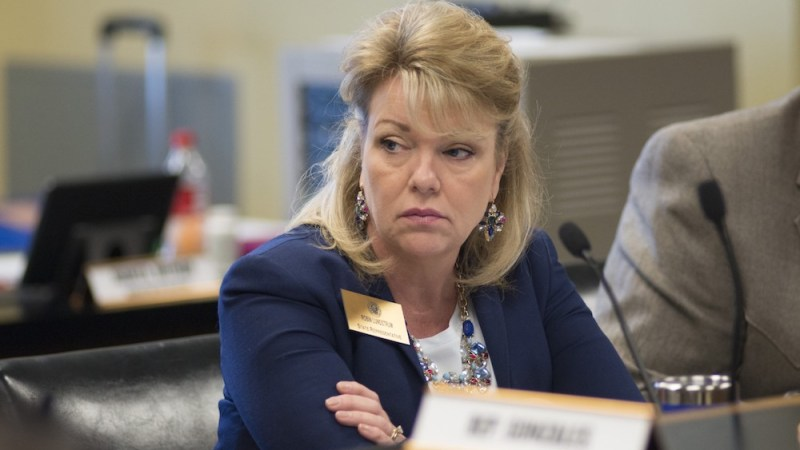 Lundstrum continues effort to limit minimum wage hike approved by voters
