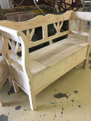 Dutch bench/settle stripped to finish