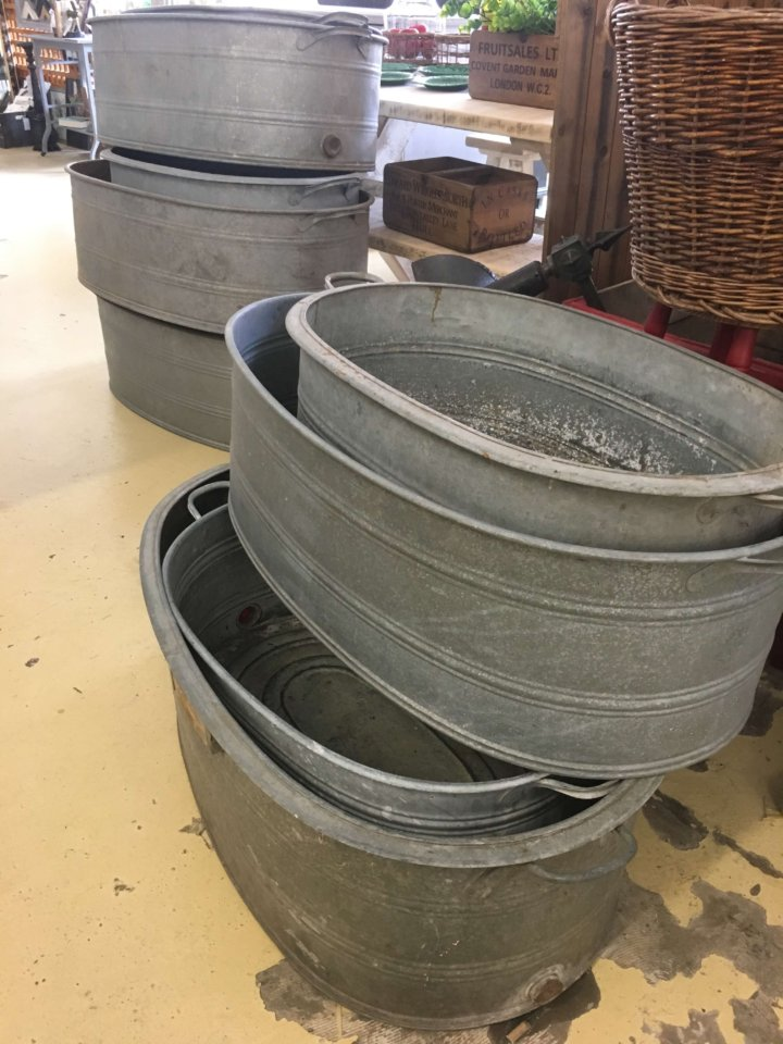 Galvanised steel Dutch baths