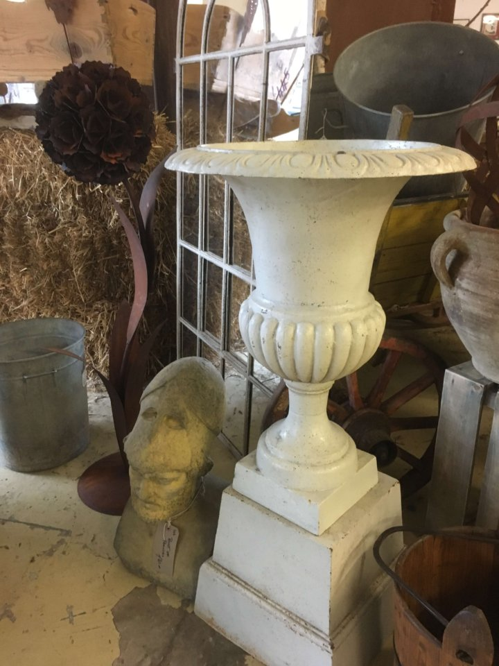 Cast iron urns and base, white