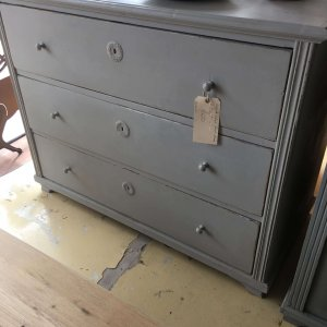 Painted French chest of drawers. Vintage French.