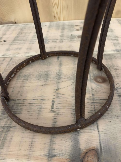 Metal Crown from arkvintage.com. Rusty wrought iron crown. Can be used for a plant stand or garden ornament. Alternatively inside as an interiors feature!? Team Arkvintage love this item.