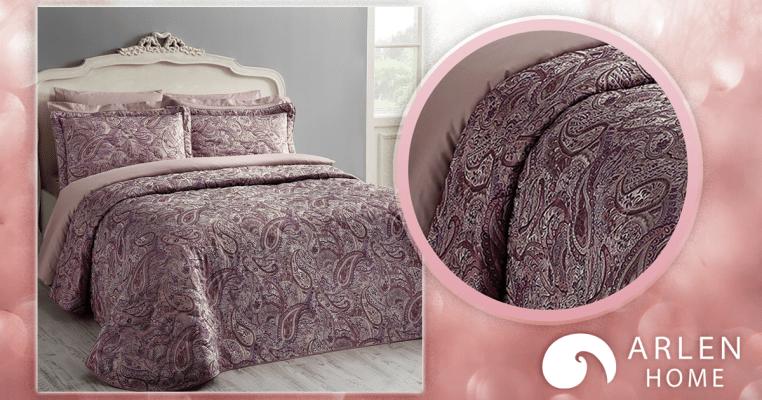 Елегантна кувертюра за спалня в лилаво