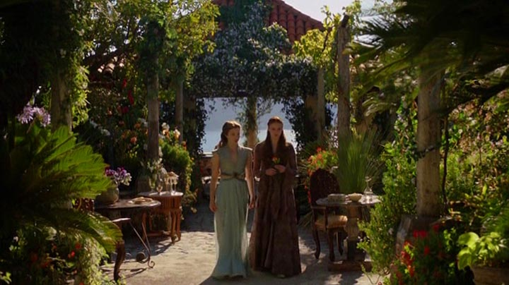 s03e07-sansa-and-margaery-discuss-her-engagement-to-tyrion