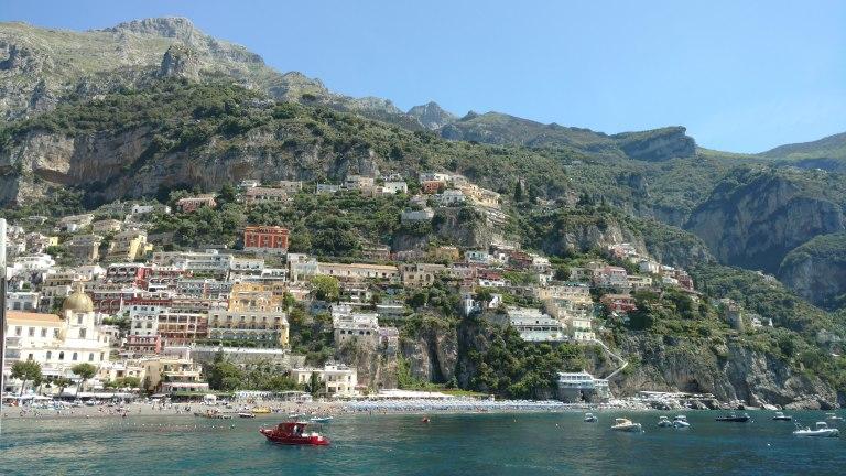 Positano desde el mar, qué visitar en la Costa Amalfitana