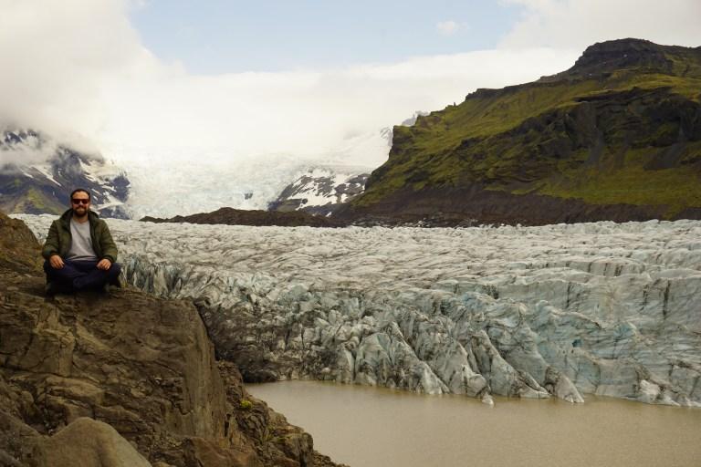 Glaciar Svínafellsjökull, un lugar imperdible en la ruta por Islandia.