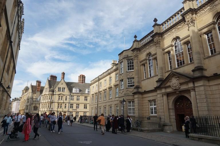 Nada mejor que un tour gratuito para resolver qué ver en Oxford.