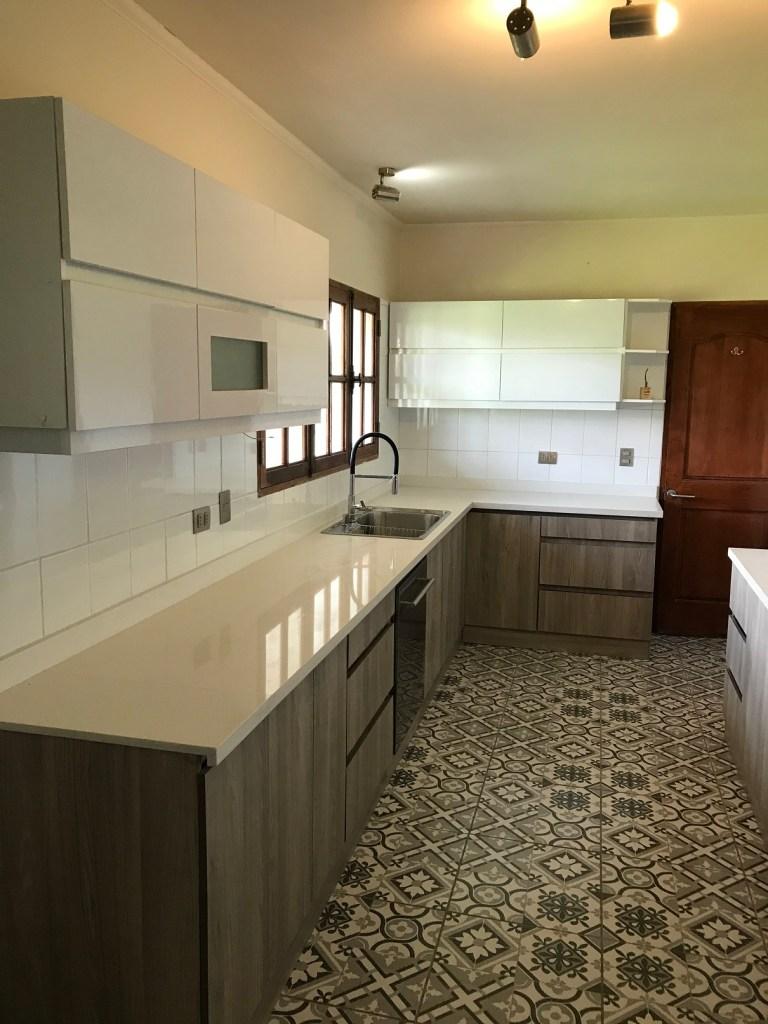 Diseño de interior en toda la cocina