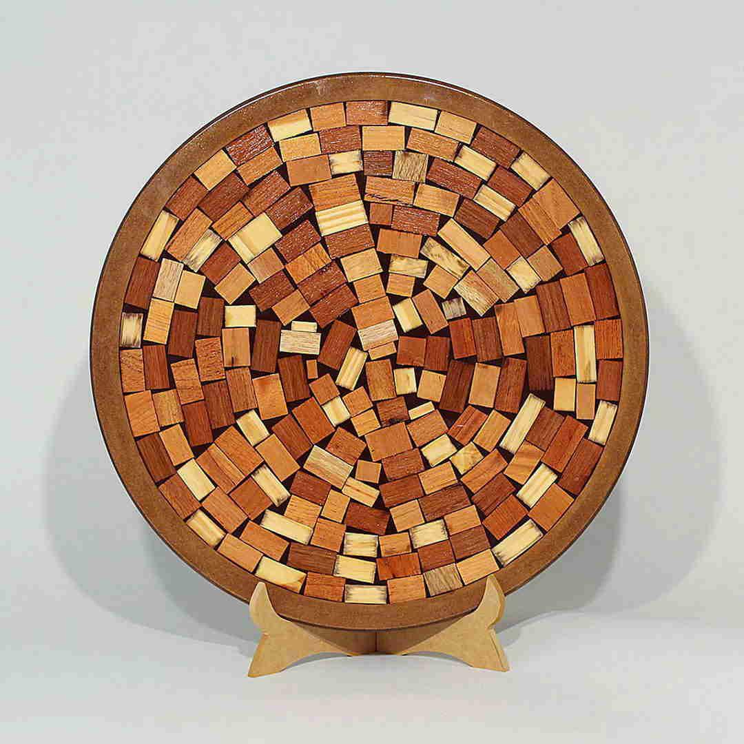 Bandeja giratoria em madeira reciclada