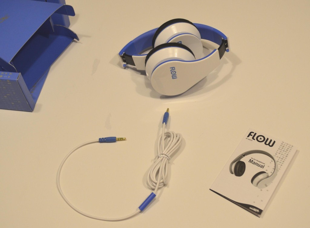 The Sentey Flow headphones fold nicely.