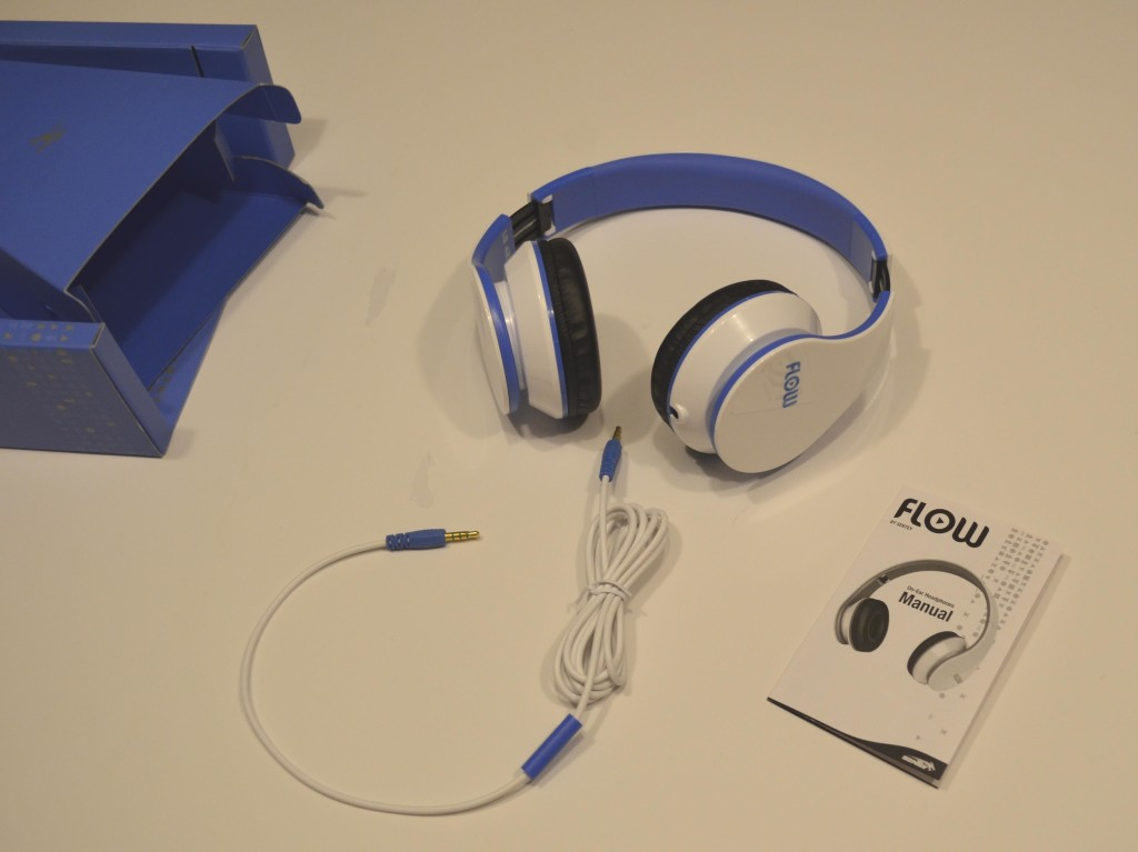 The Sentey Flow headphone components.