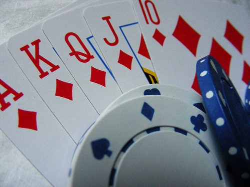 RNG adds the 'chance' element to online casino games (image courtesy of banspy).
