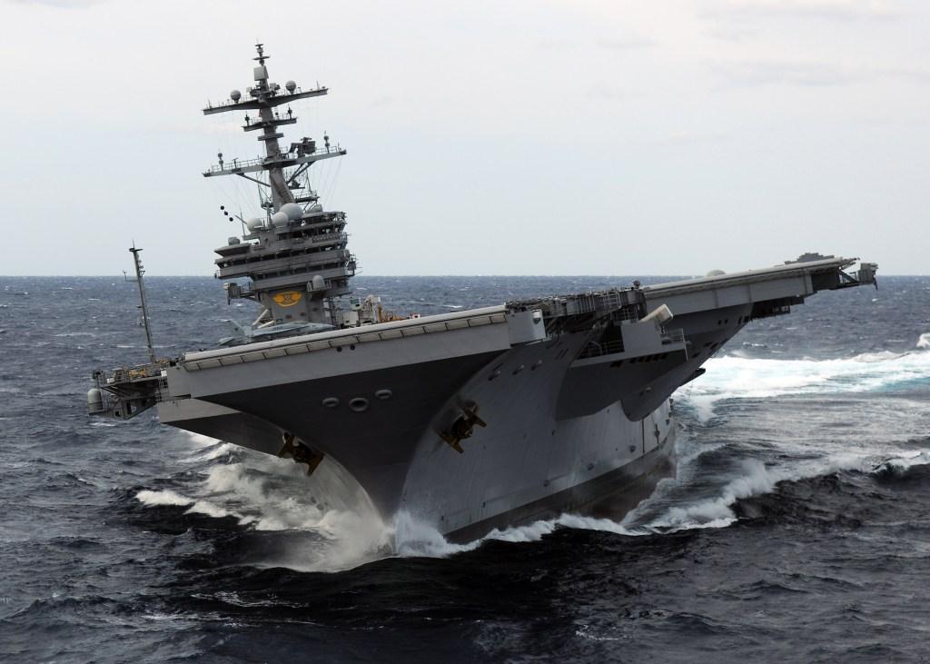 Американский посол решил поугрожать России авианосцами. Насколько это страшно?