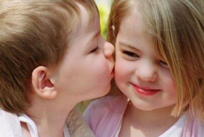 Today is International Kissing Day | ARMENPRESS Armenian News Agency