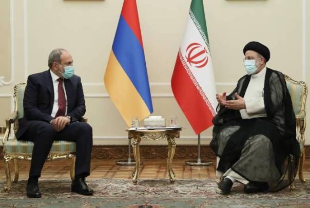Armenian PM meets with Iranian President in Tajikistan