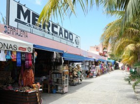 Cancun Shopping Street