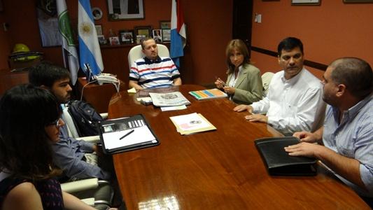 Visita de técnicos de Economía de la Nación a Las Parejas.