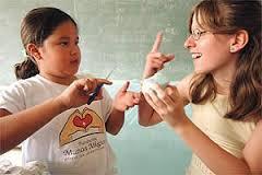 Comunicado por taller Lengua de Señas para niños.