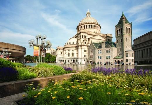 Los cientificos cristianos se reunieron en Boston. Por Richard Evans.
