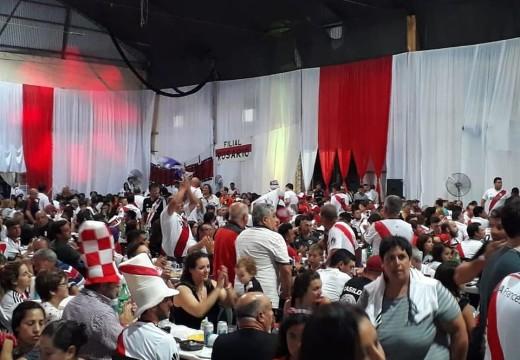 Las Rosas. «Millonarios» celebraron la alegría del Campeonato.