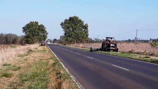Tareas de Vialidad Nacional en la Ex-Ruta 9.