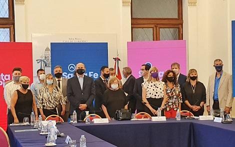 Clérici participó junto al gobernador e intendentes en la presentación del proyecto sobre autonomía municipal.