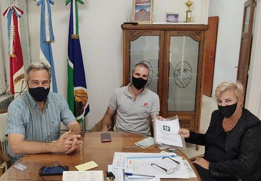 Cañada de Gómez. Reunión de la intendenta con autoridades del Club Sarmiento.