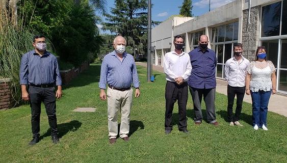 El Diputado Provincial Miguel Lifschitz visitó la ciudad de Las Parejas.