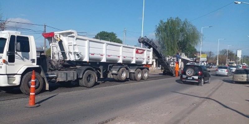 Vialidad Nacional trabaja sobre la Ex-Ruta 9 en Roldán.
