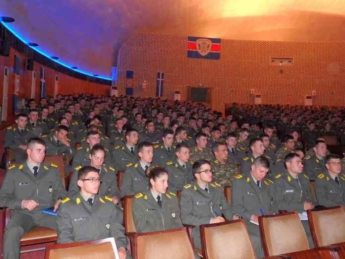 Στρατιωτικές & αστυνομικές σχολές: Αλλάζει ο τρόπος εισαγωγής