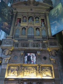What an organ! Linda Armstrong would love this