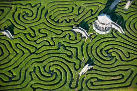 O labirinto Ideológico do Kapital.