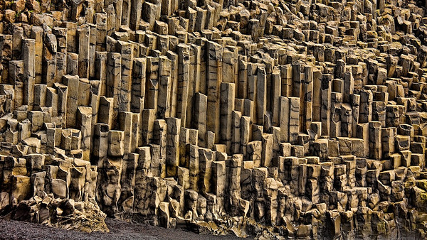 Basaltsäulen in Garðar Beach, bei Vík í Mýrdal - Island
