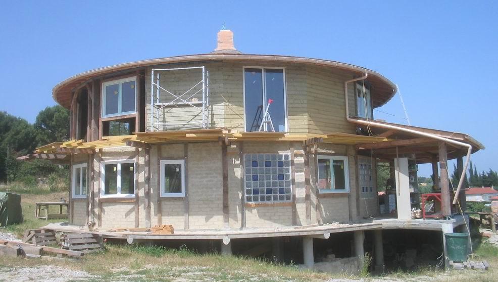 Construction De La Maison Ronde