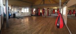 <h5>Boxfit Fitness- & Kraft-Bereich und Boxring auf einer Ebene</h5><p></p>